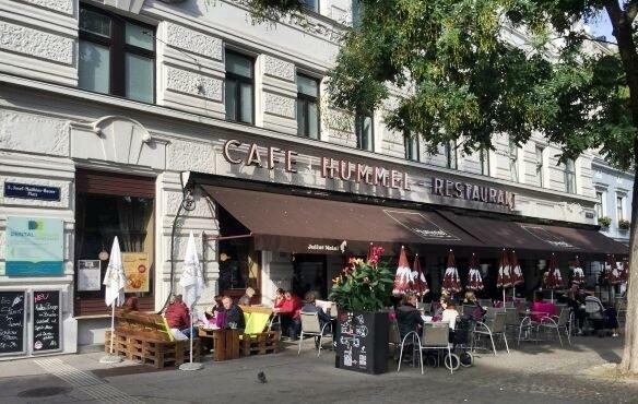 Cafe Hummel nur wenige Schritte entfernt