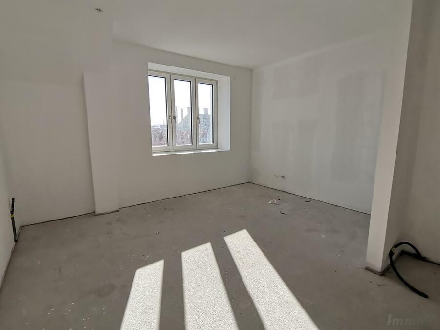 mittleres Zimmer