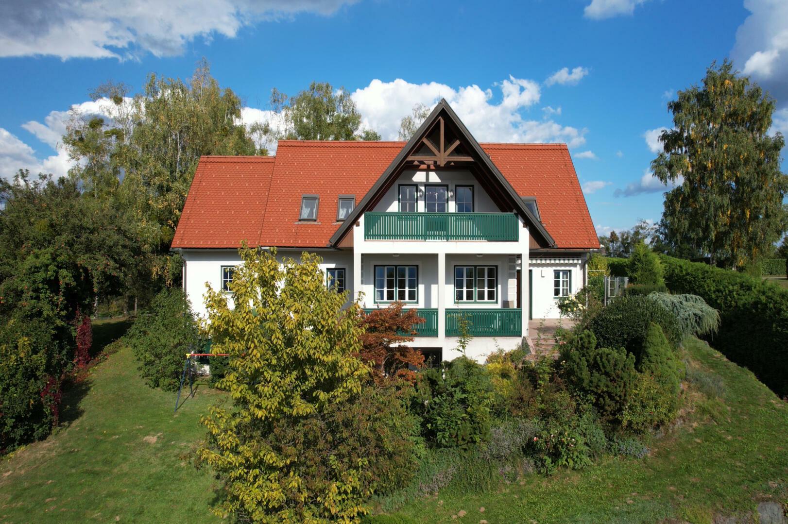 Bemerkenswerte Residenz inmitten der Weinberge!